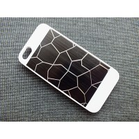 Пластиковый чехол Broken line White/Black для Apple iPhone 5/5S/5SE