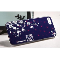 Пластиковый чехол Nillkin Platinum Series Flowers 1 для Apple iPhone 5/5S/5SE