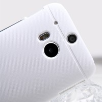 Пластиковый чехол Nillkin Super Frosted Shield White для HTC One M8